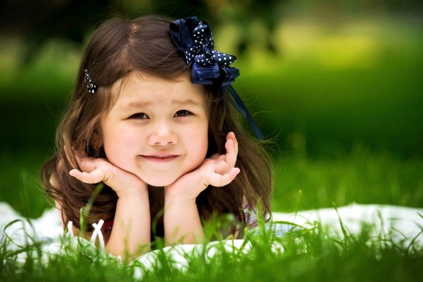 Smiling Child Girl Wallpaper | Full HD Pictures