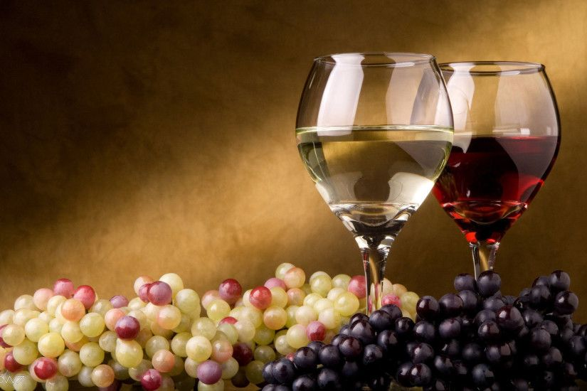 red and white wine and grapes wallpaper