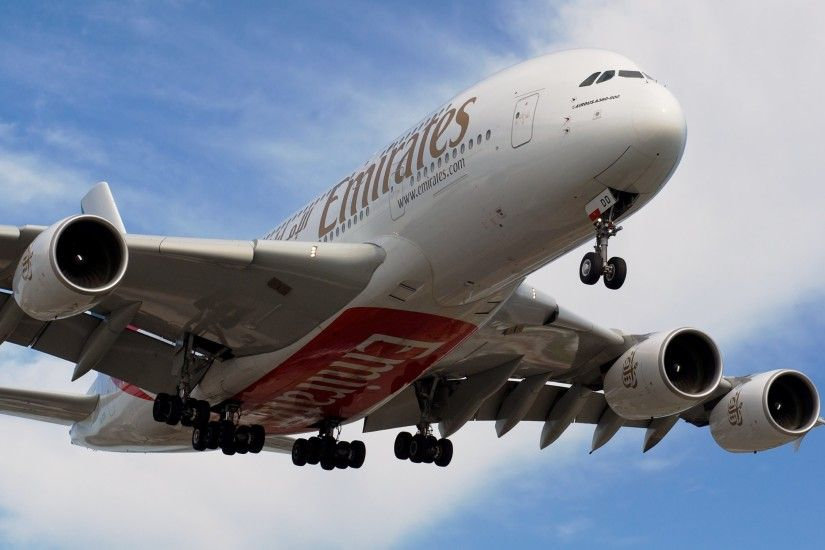 HD Wallpaper 2: Fly Emirates Airbus A380-800