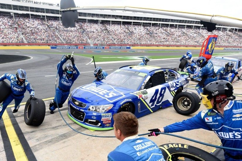 Jimmie Johnson: NASCAR said no penalty for servicing car outside pit box at  end of stop