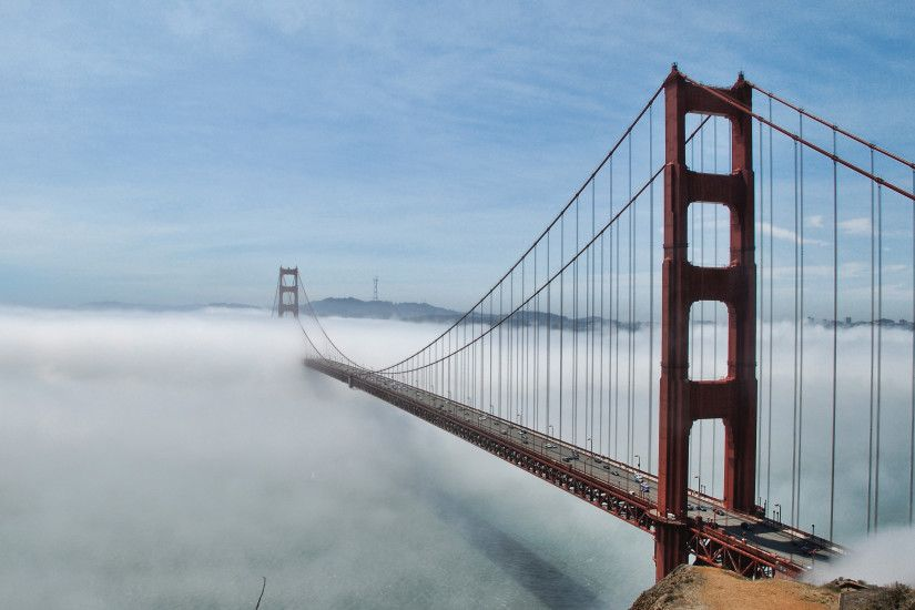 Golden Gate Bridge lost in the fog wallpaper