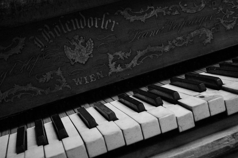 Monochrome Piano Wallpaper 58722