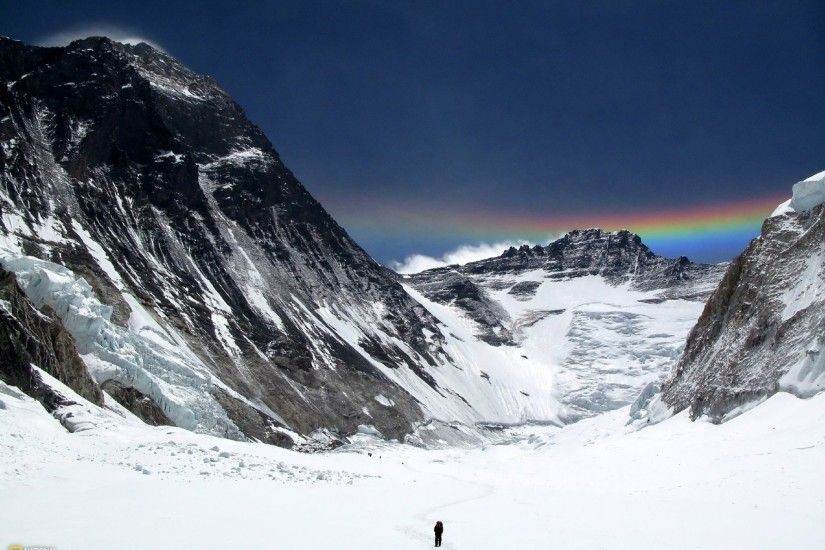 2560x1440 Mount Everest People & Rainbow