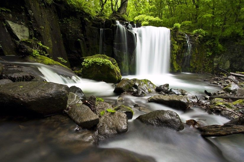 20 Gorgeous HD Waterfall Wallpapers