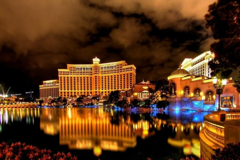 Preview wallpaper las vegas, night, hotel, building, reflection, fountain  1920x1080