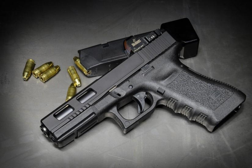 Glock 17 Pistol Wallpaper for 7 Plus