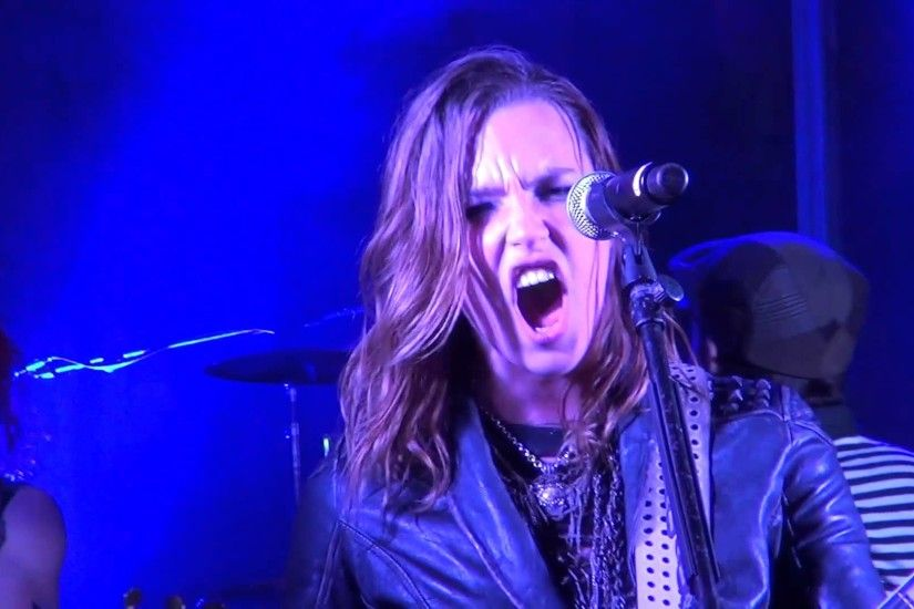 Halestorm - Straight Through The Heart (Dio Cover) Kewanee, IL 2013.07.27 -  YouTube
