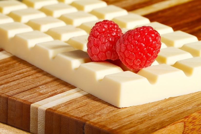 White Chocolate With Strawberry Food Wal
