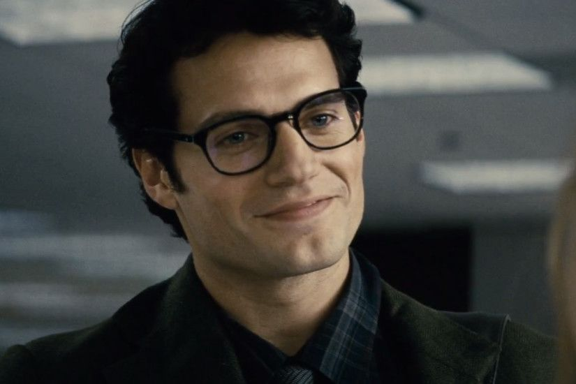 Clark Kent Spotted in Gotham City in New Batman v Superman .