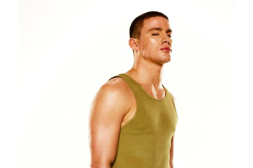 channing tatum channing tatum actor photoshoot view jersey white background  step up step up
