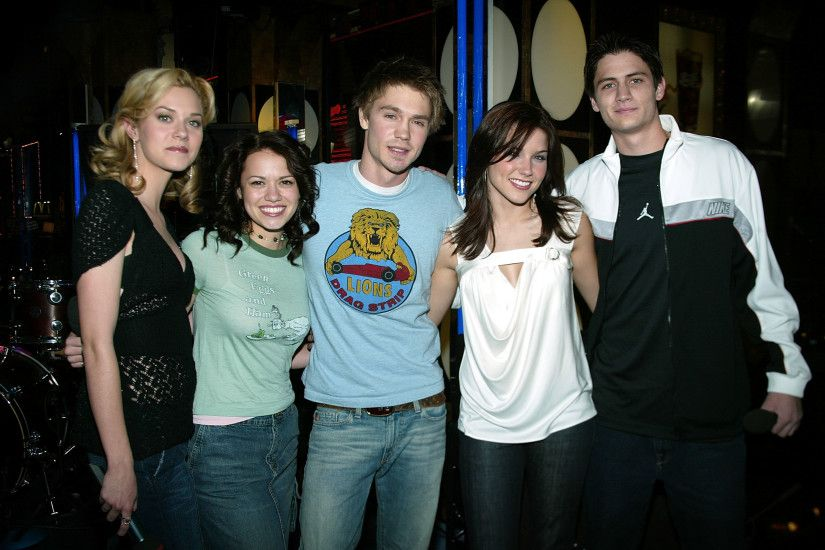 19 Photos of the 'One Tree Hill' Cast That Will Make You So Nostalgic For  Its CW Glory