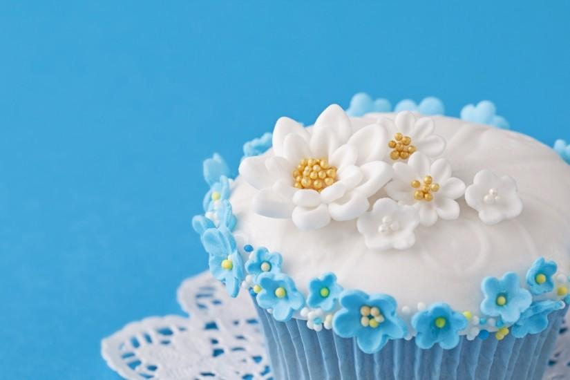 2560x1080 Wallpaper cupcake, decoration, flowers, cream