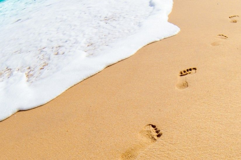 2560x1440 Footprints in the Sand