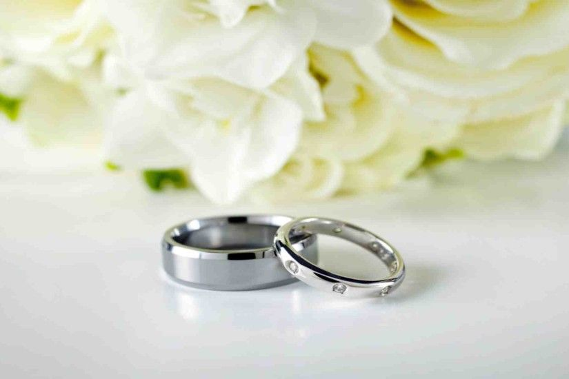 Wedding Rings And Flowers Background Bwemxc The Weddings Room | in italy  wedding