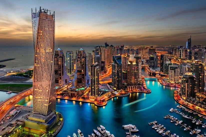Download the Dubai Marina Panorama Wallpaper