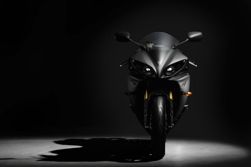 New Yamaha YZF R1 Photos and Pictures, Yamaha YZF R1 HD Widescreen  Wallpapers