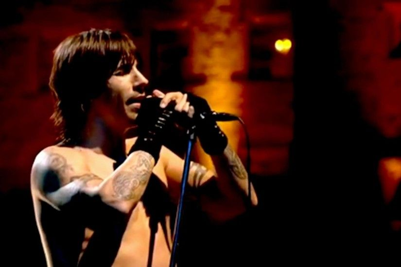 Red Hot Chili Peppers - Under the Bridge - Live at Slane Castle - YouTube