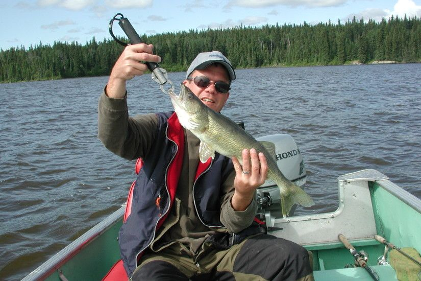 Fly-In Trophy Northern Pike & Walleye Fishing Trips in Manitoba | Burntwood  Lake Lodge