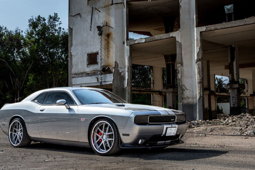Vehicles - Dodge Challenger SRT8 Wallpaper