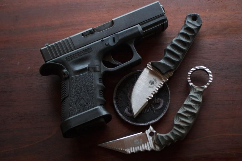 Glock 23 and Phantom Steelworks Knives by OpZulu on DeviantArt