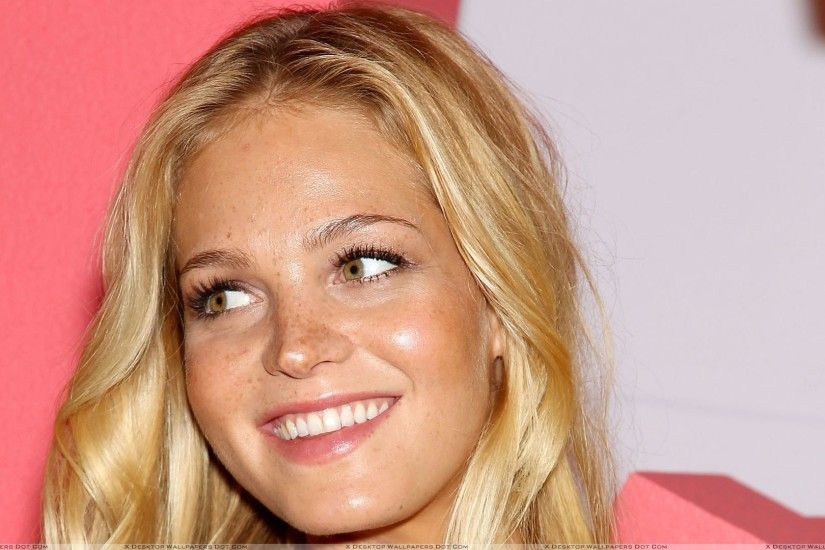 "You are viewing wallpaper titled ""Erin Heatherton Smiling At Victoria's  Secret ..."
