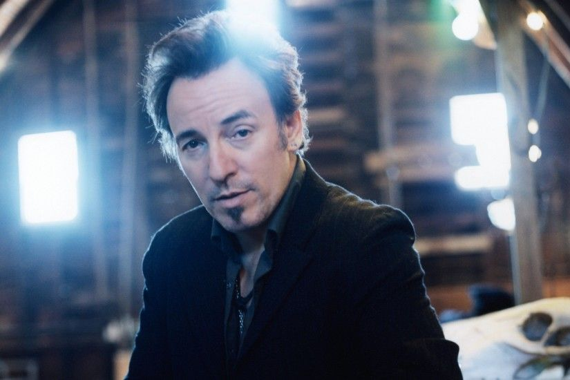 Wallpaper Bruce springsteen, Look, Light, Suit, House HD, Picture, Image