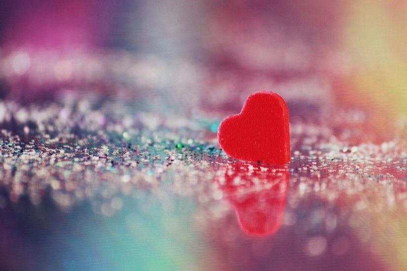 Cute Love Heart Reflection HD Wallpapers