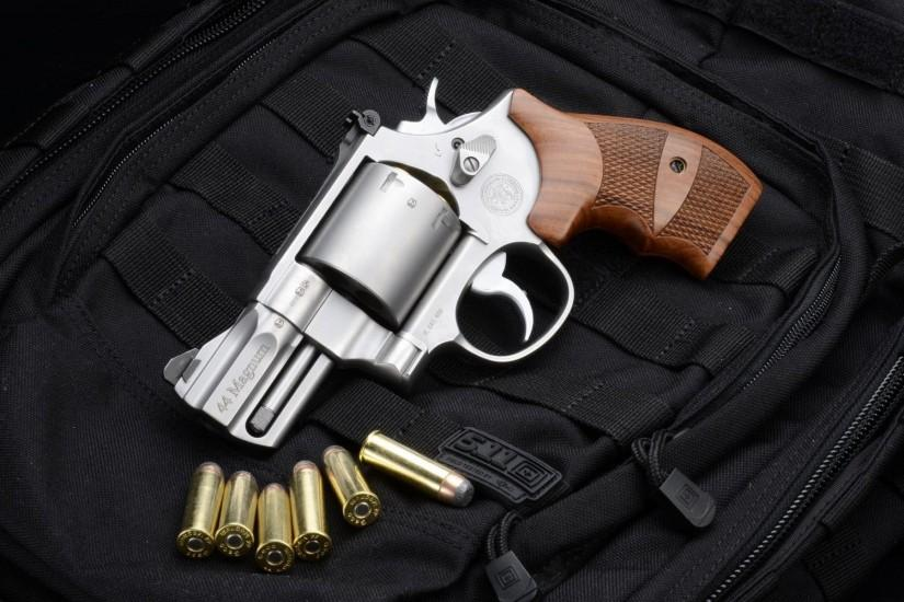 Smith and Wesson 629 Gun Wallpaper