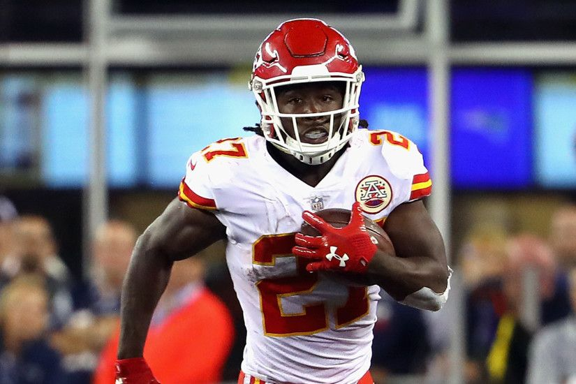 Kansas City Chiefs rookie running back Kareem Hunt had a sensational NFL  debut against the New England Patriots.