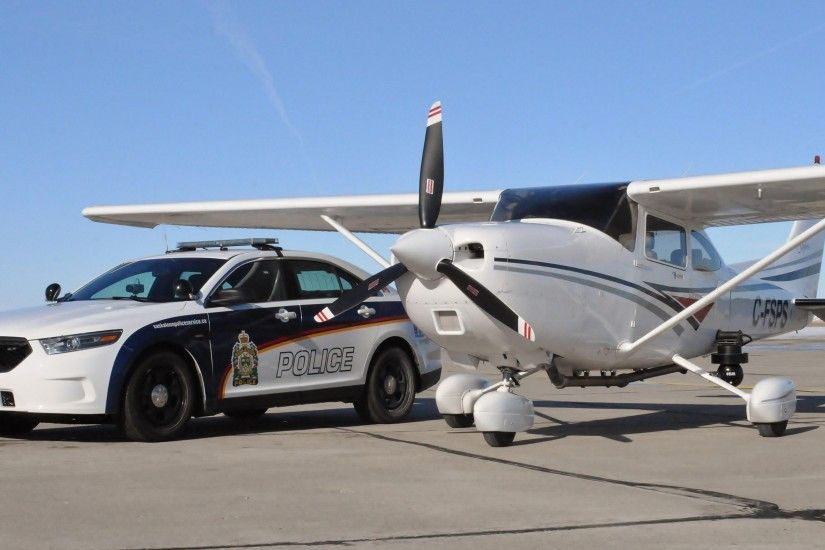 Police Car Ford Aircraft Airplane Cessna Skylane Wallpaper