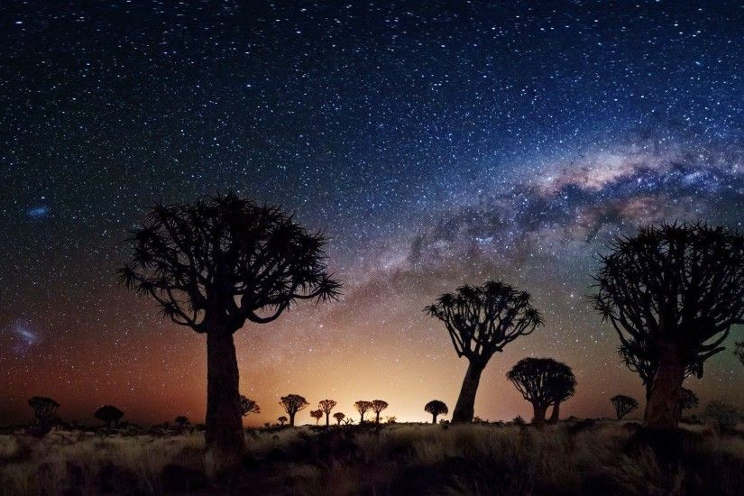Milky Way From Desert - wallpaper.