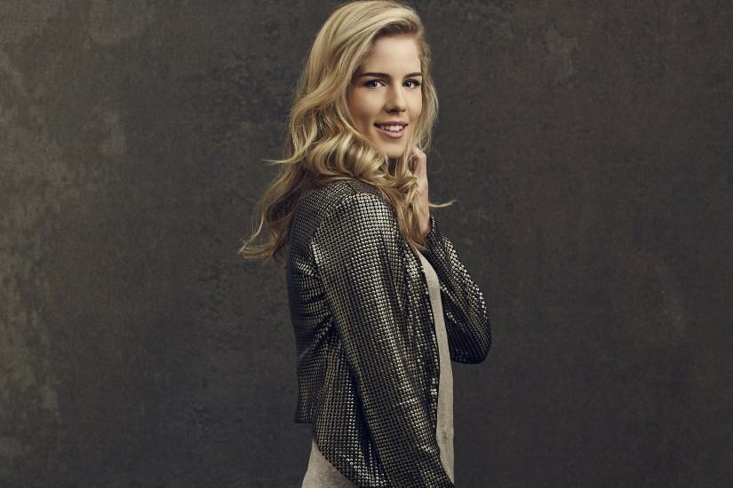 Emily Bett Rickards pictures