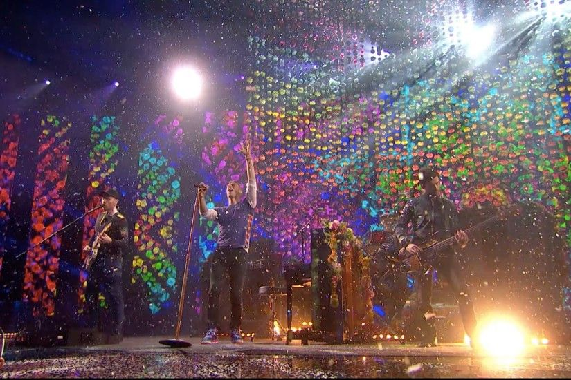 Coldplay Win Best British Band & Perform Hymn For The Weekend at the Brits  2016!