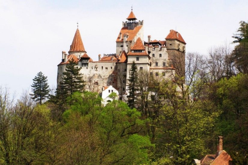 Explore More Wallpapers in the Castles / Romania Group!