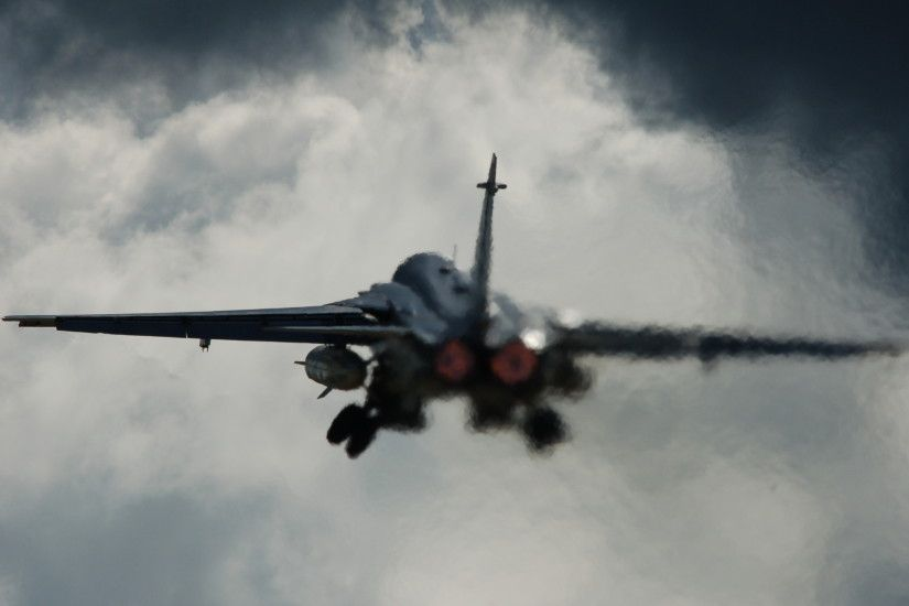 SU-24 Jet Fighter Wicked Cool