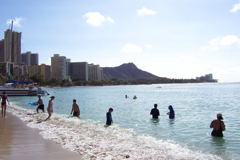 Crowds on Waikiki Beach Wallpapers (82 обои)