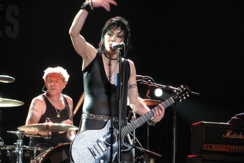 Joan Jett images Joan Jett and the Blackhearts HD wallpaper and