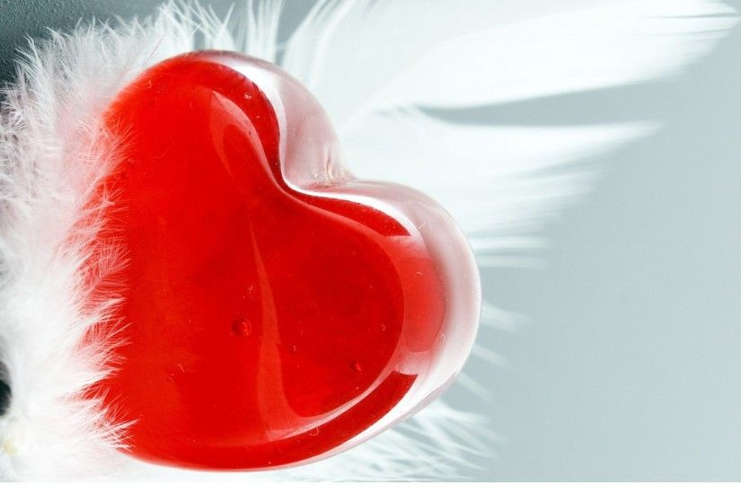 delicious-candy-in-heart-shaped-happy-valentines-day-
