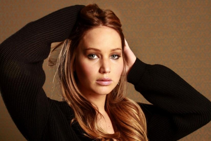 Preview wallpaper jennifer lawrence, pullover, sweater, girl, actress,  person 1920x1080