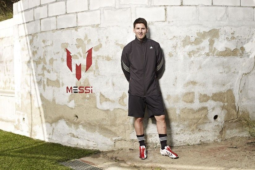 Lionel Messi Football Player - HD Wallpaper Free Download