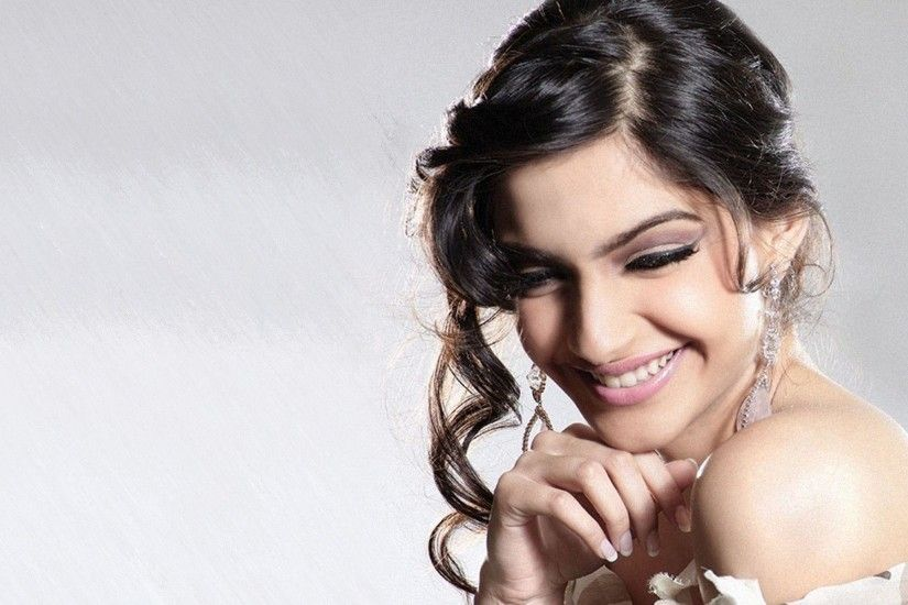 Sonam Kapoor Bollywood Actress HD wallpapers | 9 HD