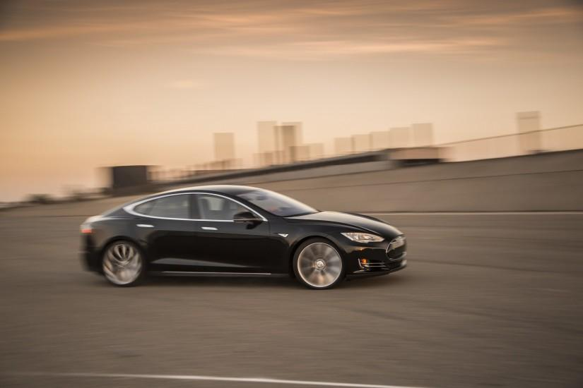 2015 Tesla Model S New Image