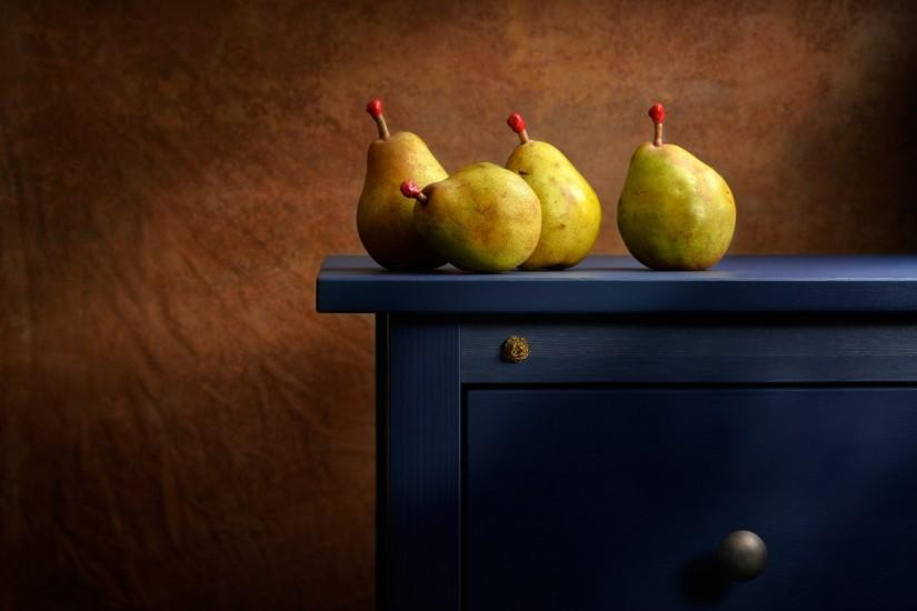 the blue dresser pear table background lighting