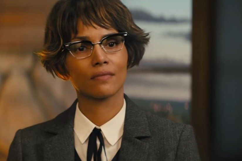 Kingsman The Golden Circle Actress Halle Berry Wallpapers