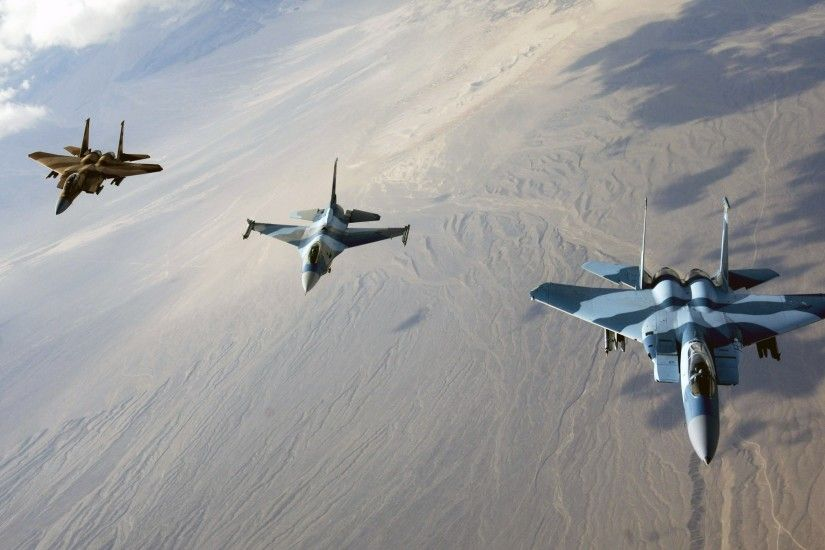 Photo Gallery: 4986 F 15 Eagles and F 16 Fighting Falcon, 1.27 Mb