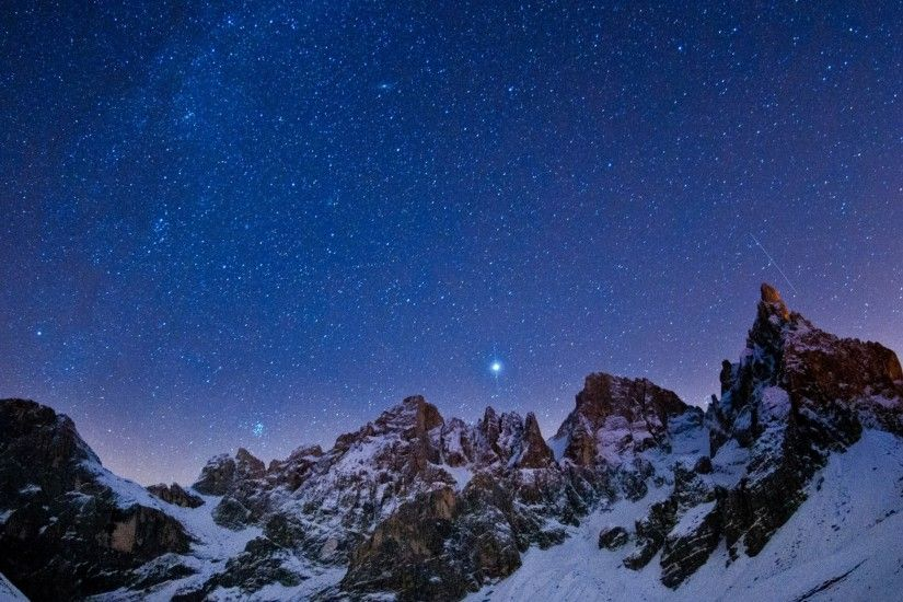 Download 2560x1440 Mountains, Sky, Night, Stars, Light, Winter Wallpaper, Background  Mac iMac 27
