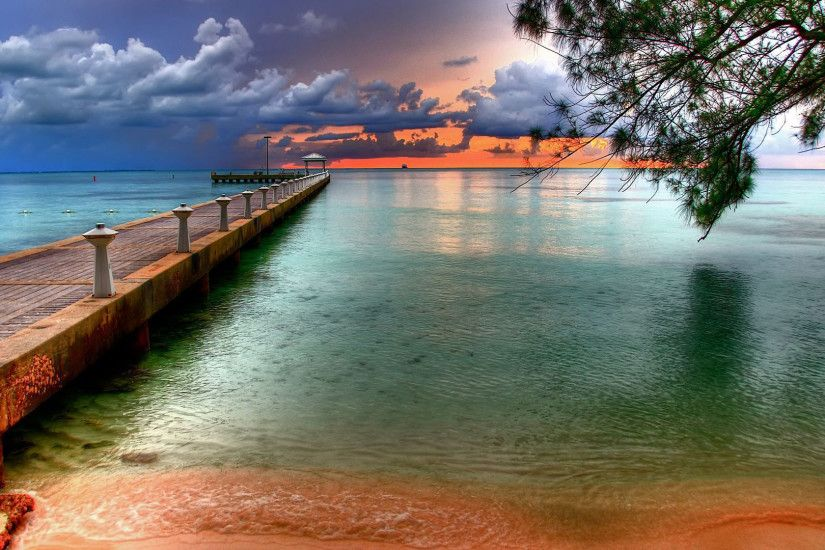Beach wallpapers. The colourful wallpaper of the sky at Key West Florida