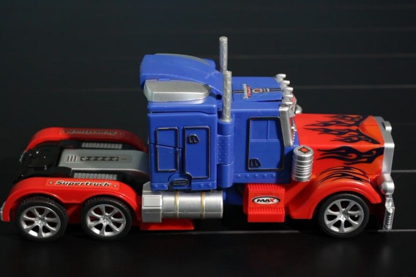 Optimus Prime Transformer Truck/Robot Review