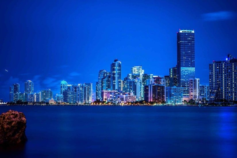 ... City Miami Night Skyline Wallpaper 2560×1600 | Cool PC Wallpapers ...