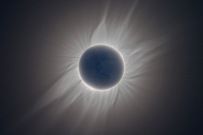 Total Solar Eclipse - wallpaper.